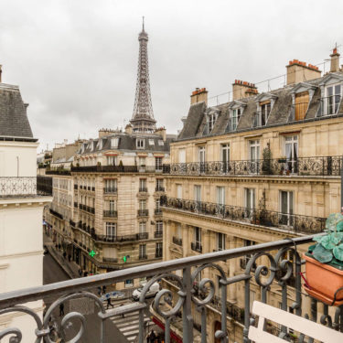 A Parisian Apartment – 6 tips to give a Parisian look to your home