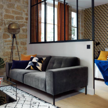 An apartment in the Marais transformed into a mini loft with an industrial allure
