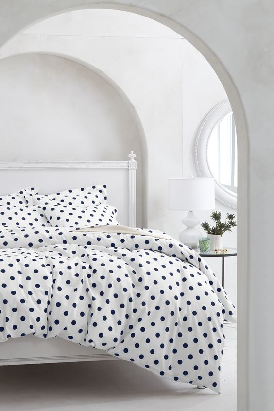 polka dots bed linen