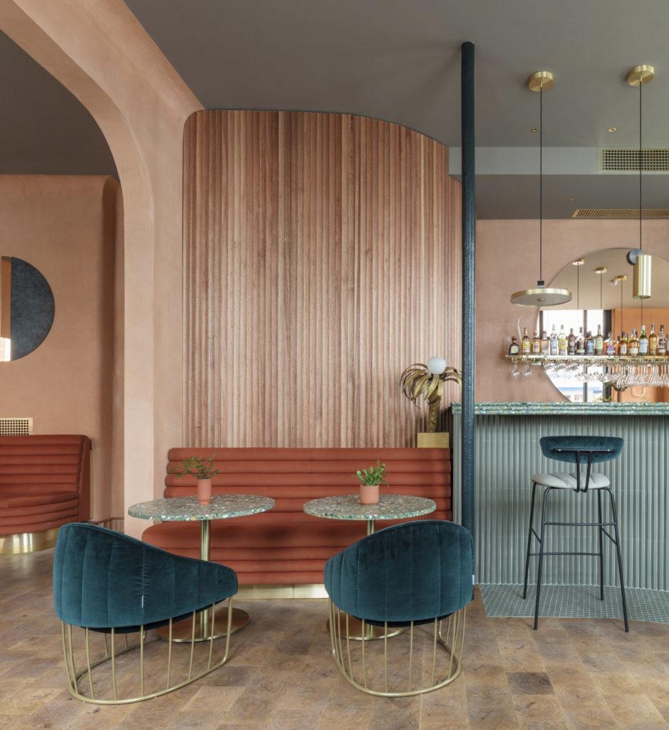 London-restauranti-terracotta-velvet-brass-3