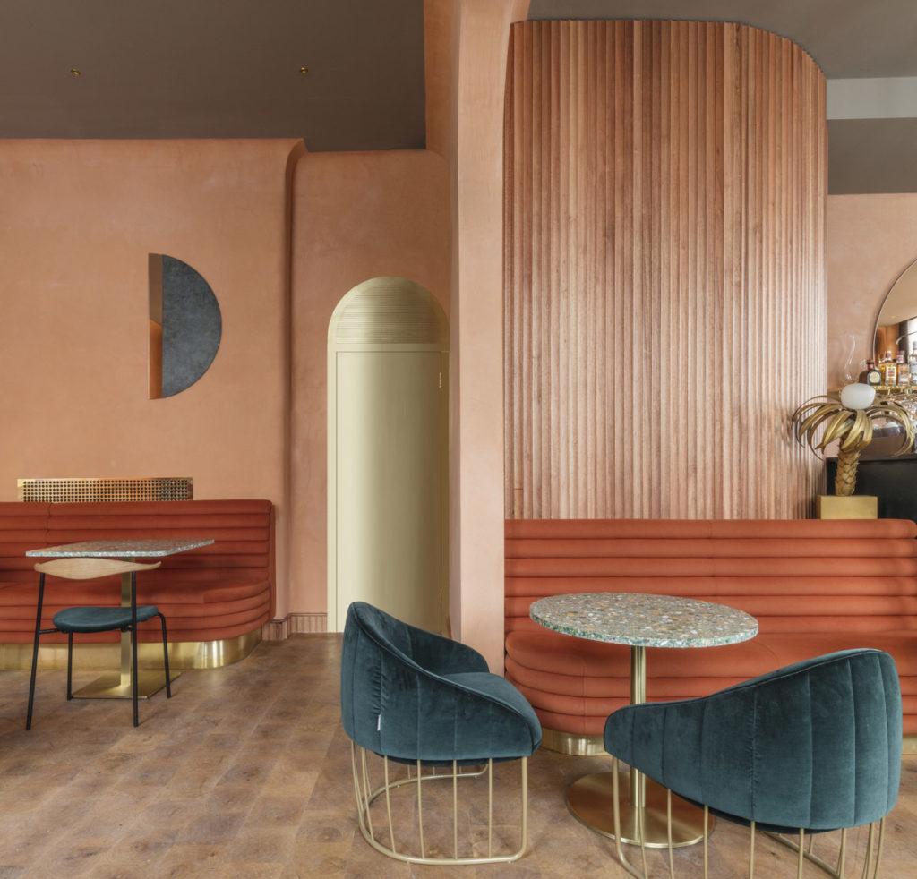 London-restauranti-terracotta-velvet-brass-2