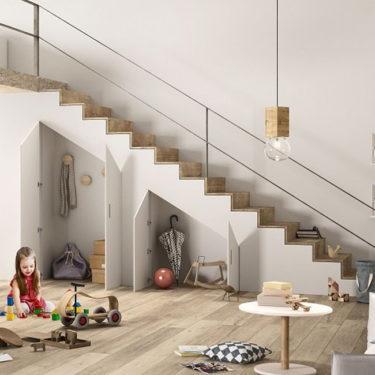 4 ideas simples para sacar partido al espacio de debajo de las escaleras