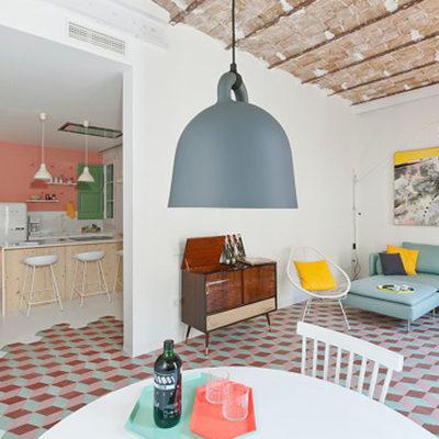 A spanish apartment where art nouveau and contemporaneity coexist.