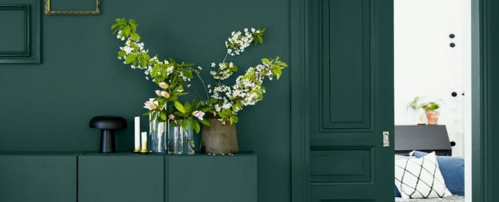 The elegance of dark green
