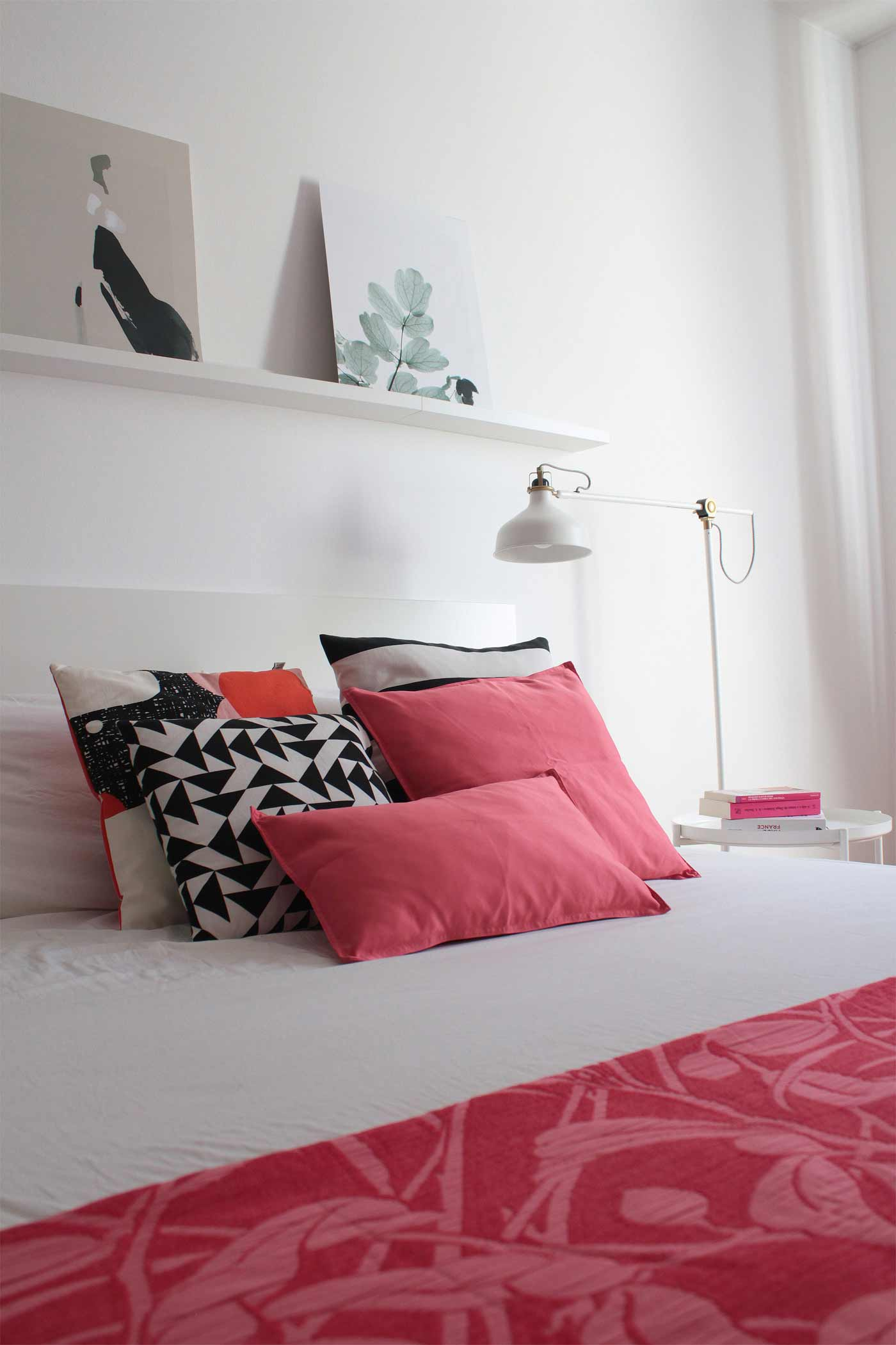 Bedroom styling Living Coral