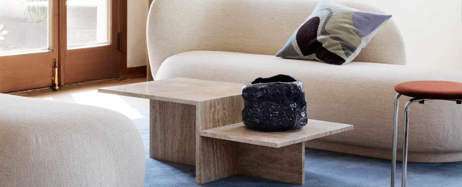 Mesas con formas escultóricas