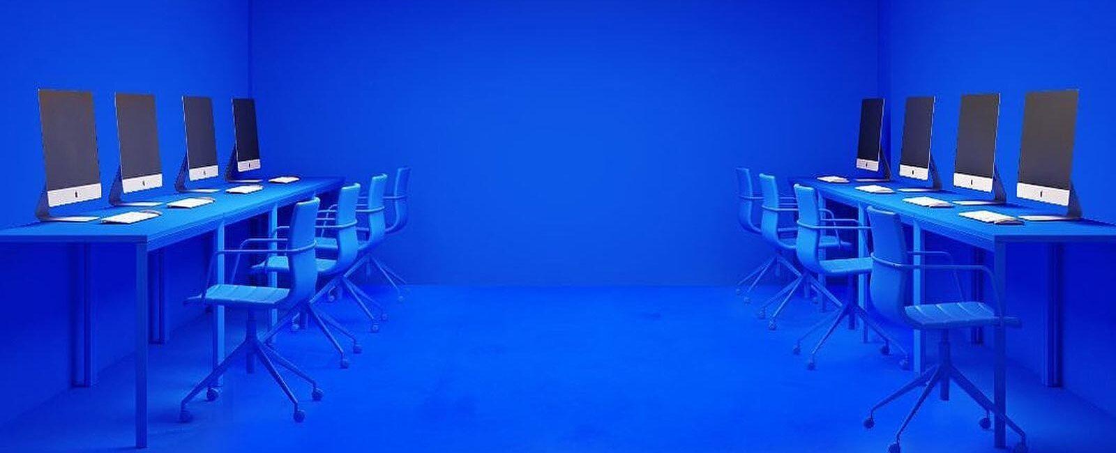 New trend: the Klein Blue