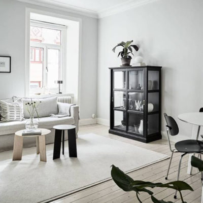 Black accents to create an interior with personality.